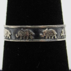 Vintage Size 7 Sterling Rustic Elephant Band Ring
